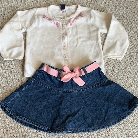 GAP Other - Baby Gap Girls 2t Sweater and Skirt Set